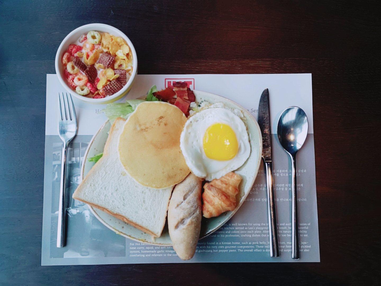 坐在窗邊能飽覽江南區的景色,配搭著美景吃早餐絕對是一天的好開始,