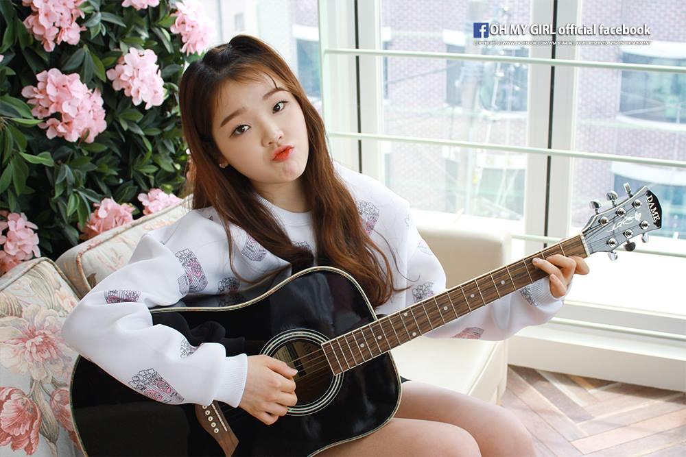 想必不少人已經想到了吧,就是主唱勝熙~外表只是加分,如果看過她在歌唱節目《girl spirit》裡的表演,真的很難不被她的努力給感動啊!