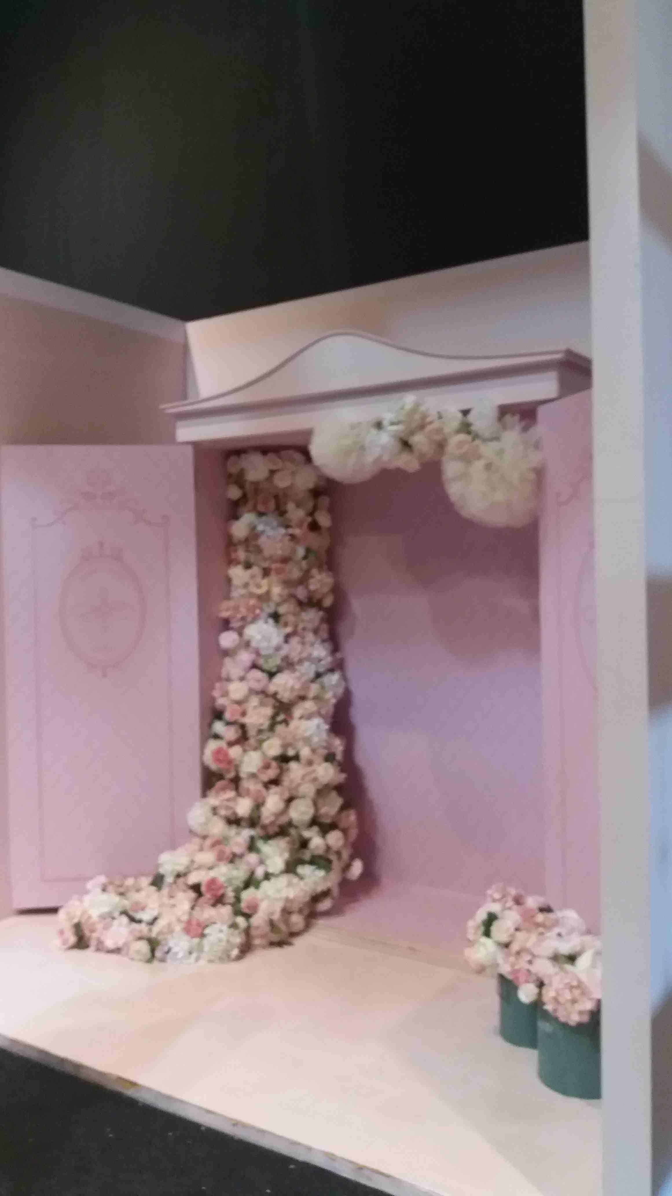 滿滿粉紅色加上花朵的少女風攝影棚