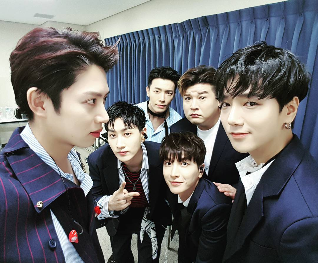 在演藝圈要交到好朋友非常不容易,但有一個人卻擁有整個韓國演藝圈的人脈,那就是大家都知道的金希澈,小編應該不用多說大家都知道Super Junior成員間的感情非常好吧!