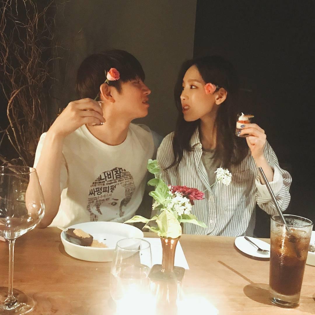就連出了名認生的太妍也是金希澈的好朋友之一,由於兩人都姓金的關係也被粉絲稱為「金氏兄妹」XD