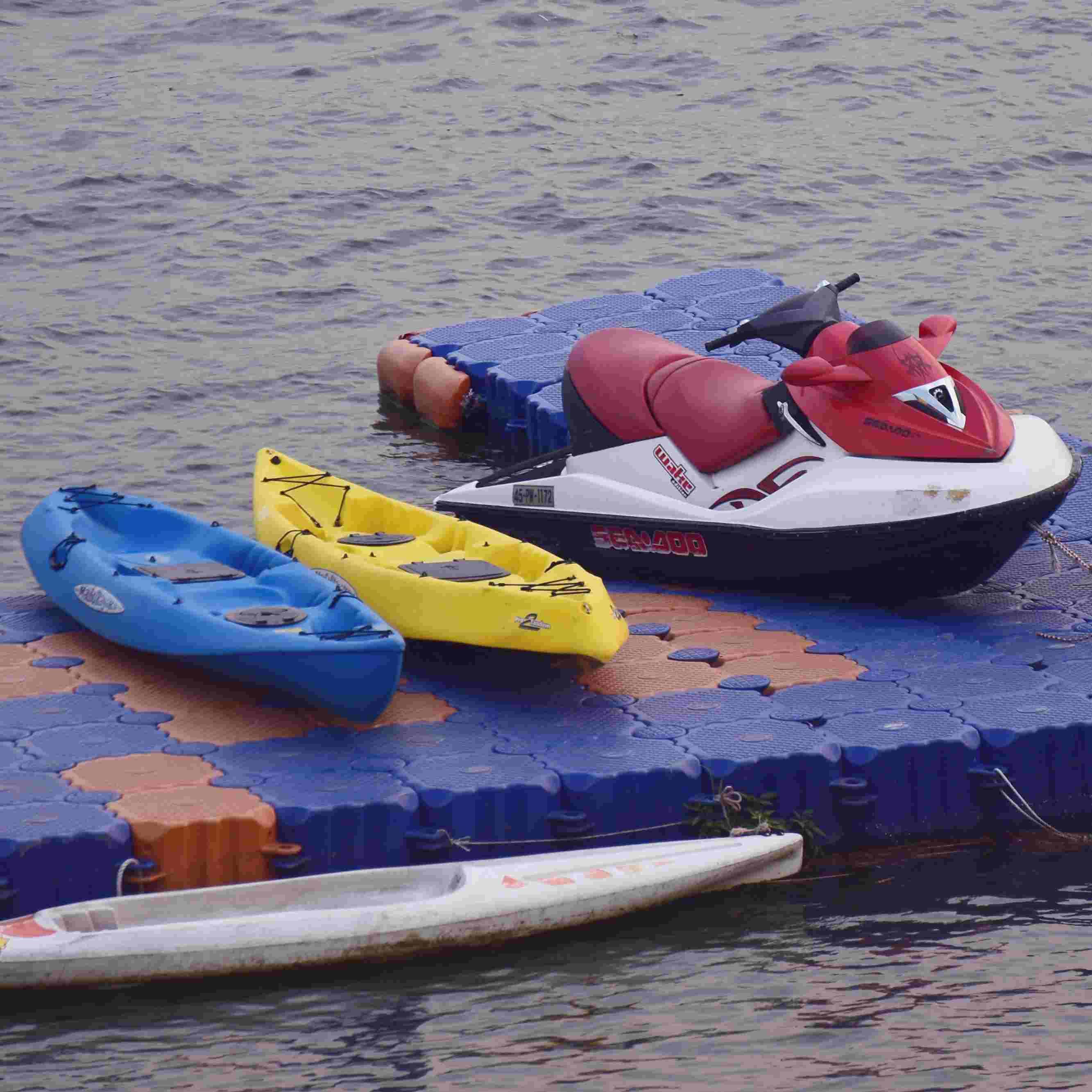 還可以兩個人一起坐上今年新推出,傍晚限定的小艇