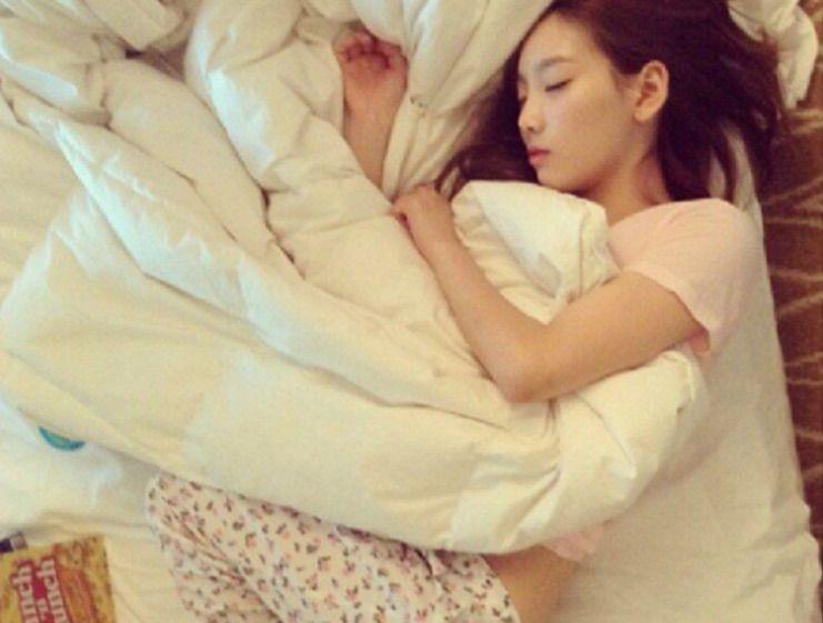 現在可以放心睡一覺啦~~~早上起來痘痘就會冷靜很多! 以上就是痘痘肌韓妞一整天的保養方式啦,過幾天皮膚就會越來越穩定囉(。◕∀◕。)