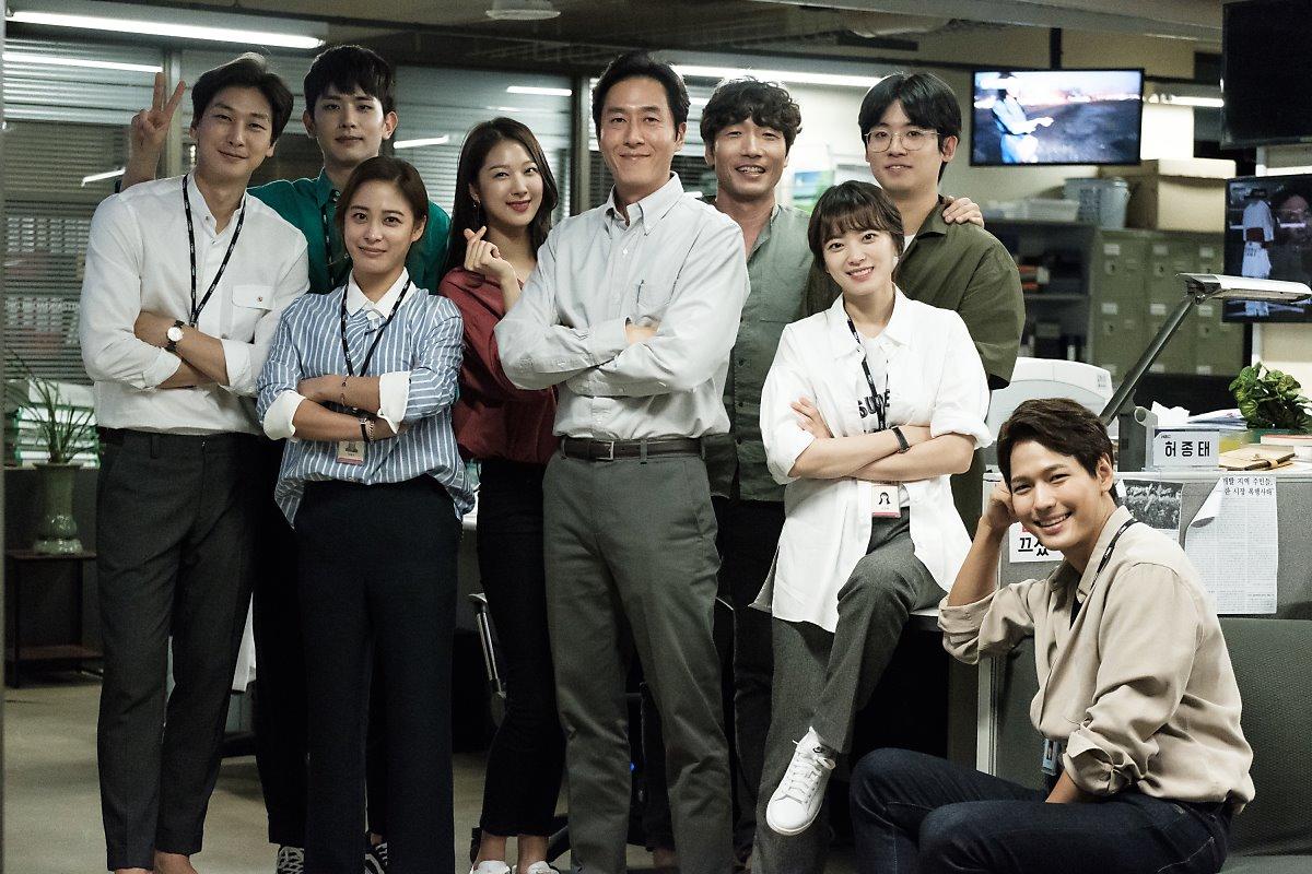 ✿TOP 6 - tvN《Argon》 話題佔有率:6.46%  ➔上升8個名次 ※由金柱赫、千玗嬉主演,講述在假新聞氾濫的社會中,一群只透過事實揭露真相的熱血記者們炙熱的生活故事。