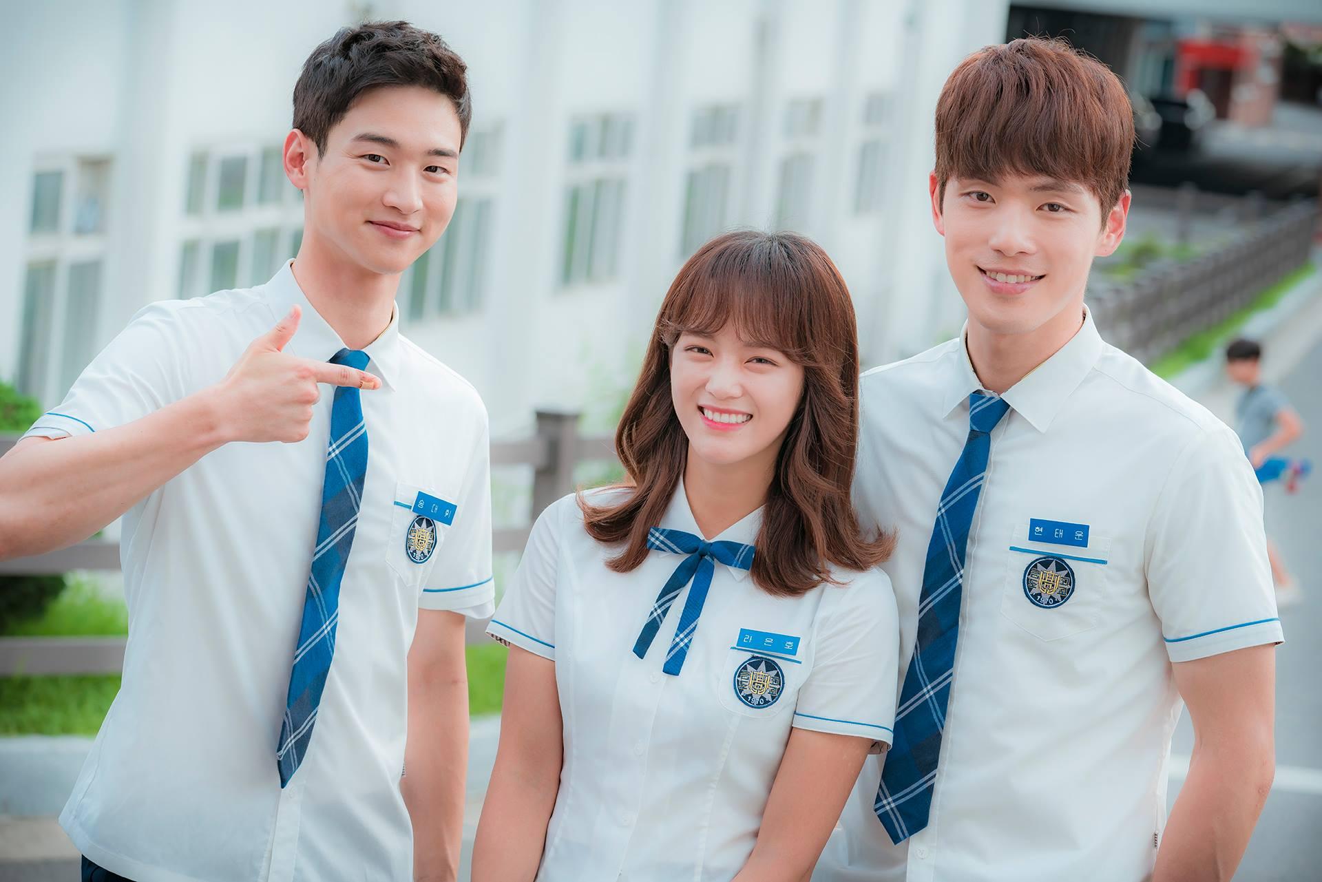 ✿TOP 3 - KBS《學校2017》 話題佔有率:7.08%  ➔上升2個名次 ※由金世正、金正鉉、張東尹等人主演,此劇講述擁有很多秘密和想法的18歲高中生們燦爛成長的故事。此劇也是KBS《學校》系列第7部作品。