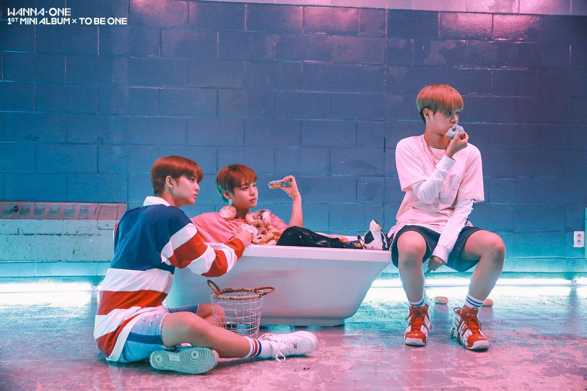 成員們才剛結束回歸行程沒多久,公司又再度宣布Wanna One將在11月的第3週時回歸,改版專輯中會加入新歌但確切還沒確定是幾首歌...