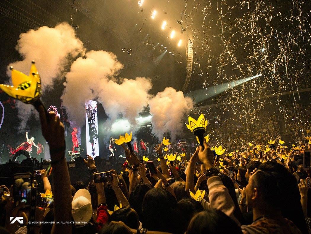 平常去看演唱會總是人擠人擠人擠人擠人擠人擠人擠人 人人人人人 到處都是人人人人,不管場外還是場內都是人