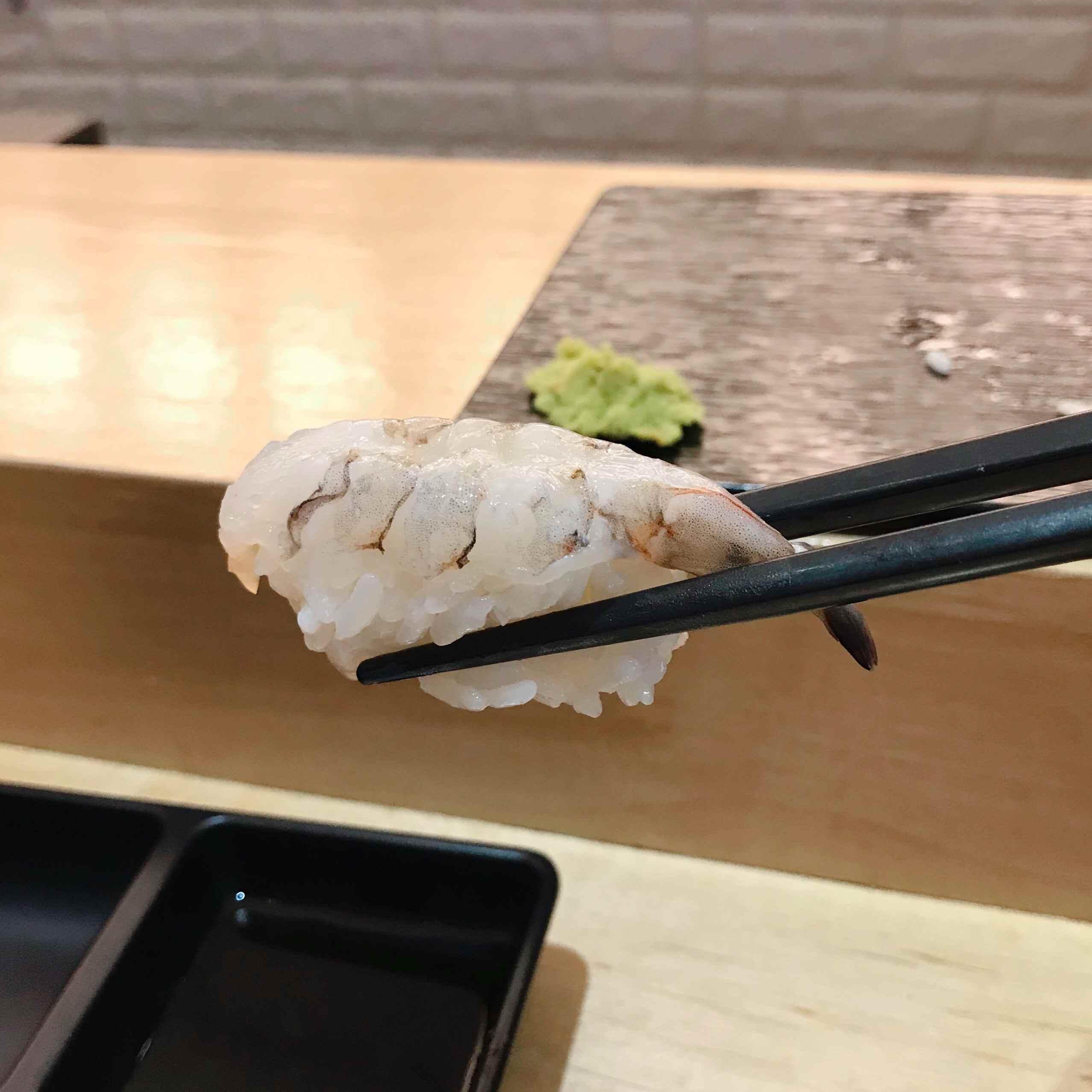 再來的是蝦壽司~