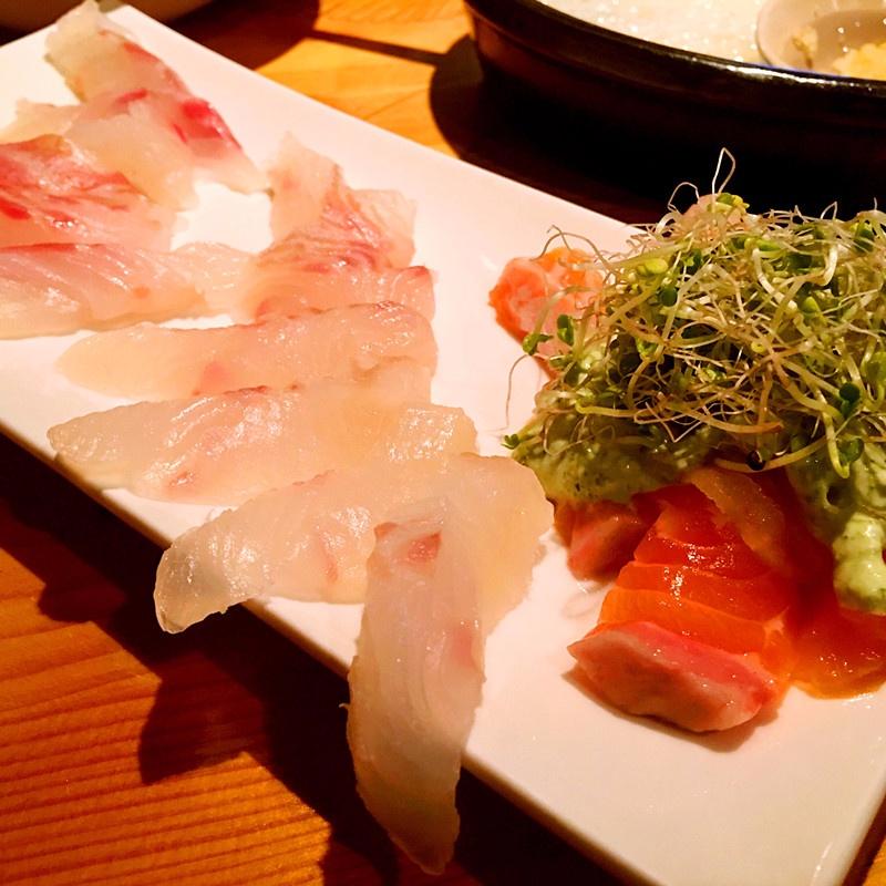 生魚片晶瑩剔透的~可以看出魚的品質很不錯