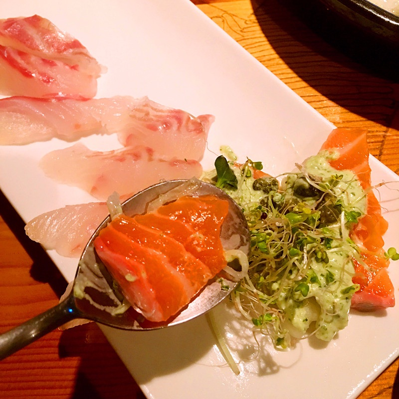 鮭魚不管什麼時候都超級喜歡!這家鮭魚軟軟嫩嫩的,因為已經配上醬料,直接吃就很滿足了