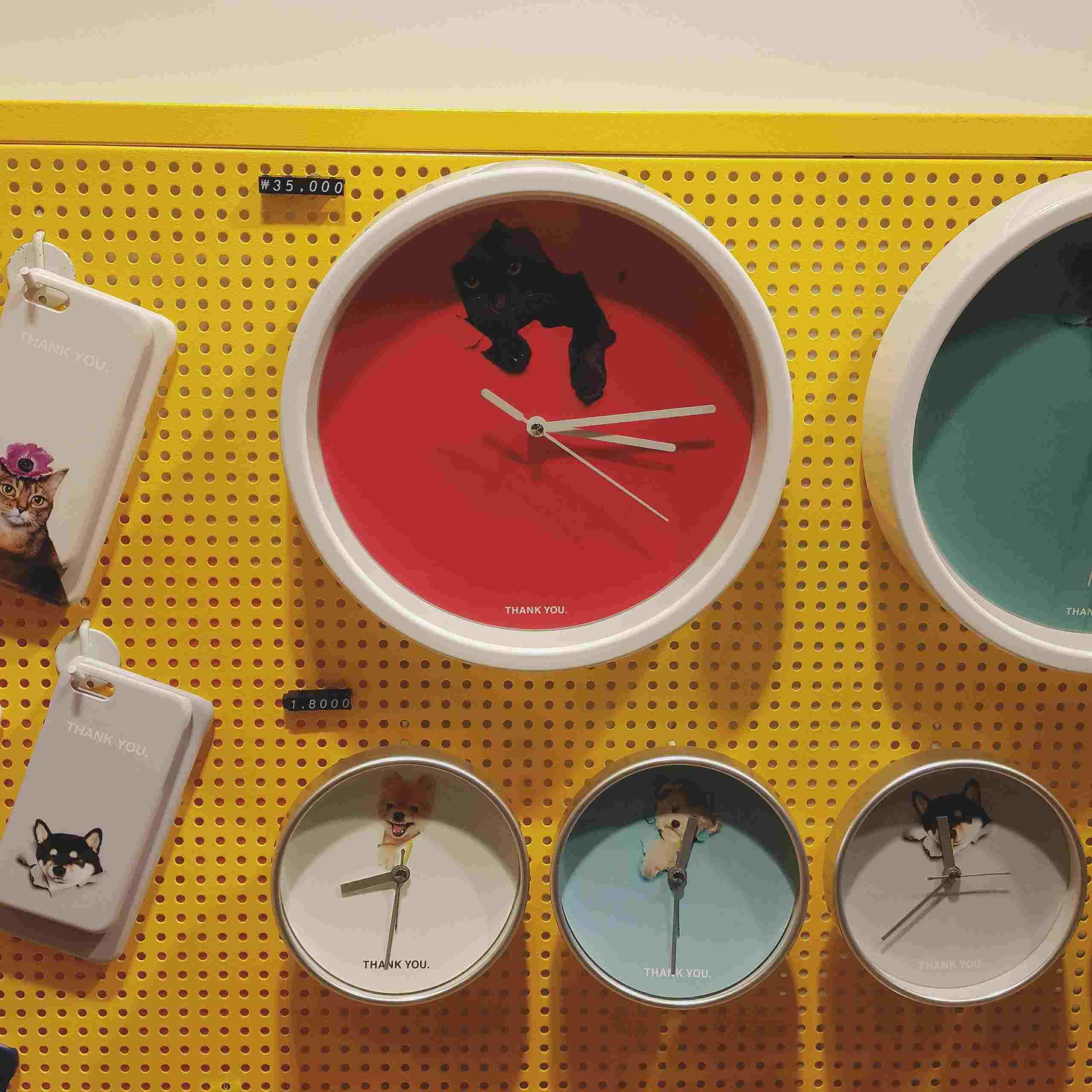 甚至連時鐘也有啊!小動物們都超級可愛的~