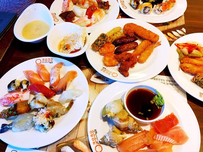 這是小編拿的第一波,無論壽司生鮮還是炸物都非常好吃!沒有什麼不好吃的!尤其要推薦生蝦的壽司,軟軟的蝦肉配上酥脆的夾心,口感很豐富。