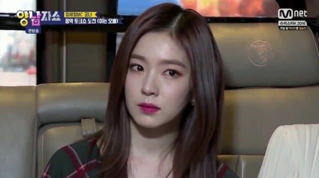 但其實 Irene 雖然不說,其實也有許多心事,先前曾因為在節目上被主持人說中她會把事情放心裡,都是因為作為隊長的責任感,擔心「要是自己也示弱了,成員們該怎麼辦?」才把苦往肚裡吞,也讓 Irene 瞬間紅了眼眶、說不出話。