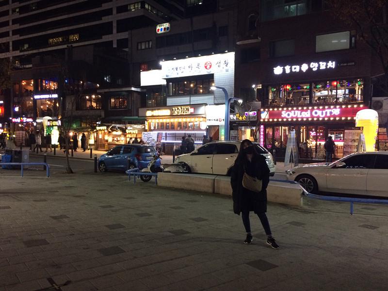 最重要的也是要看自己的需要,來韓國玩的話,別說我沒有提前告訴你要買一件喔。