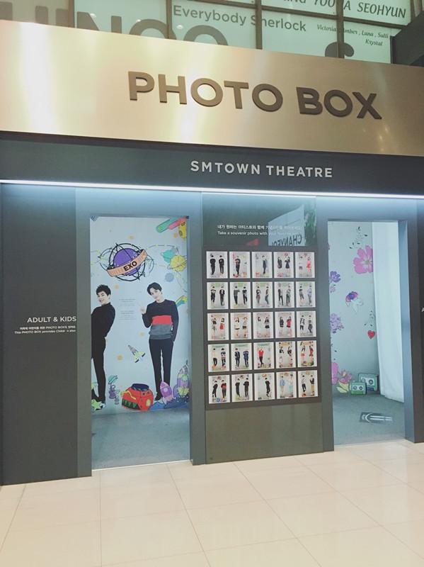 五樓還設有能和藝人3D拍照的設施呢~拍完照片也能印下來做紀念喔~~