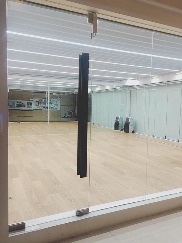 六樓也是展演廳~除了展演廳外在每個禮拜六的中午都會舉辦徵選~想當練習生的可以來參加喔~