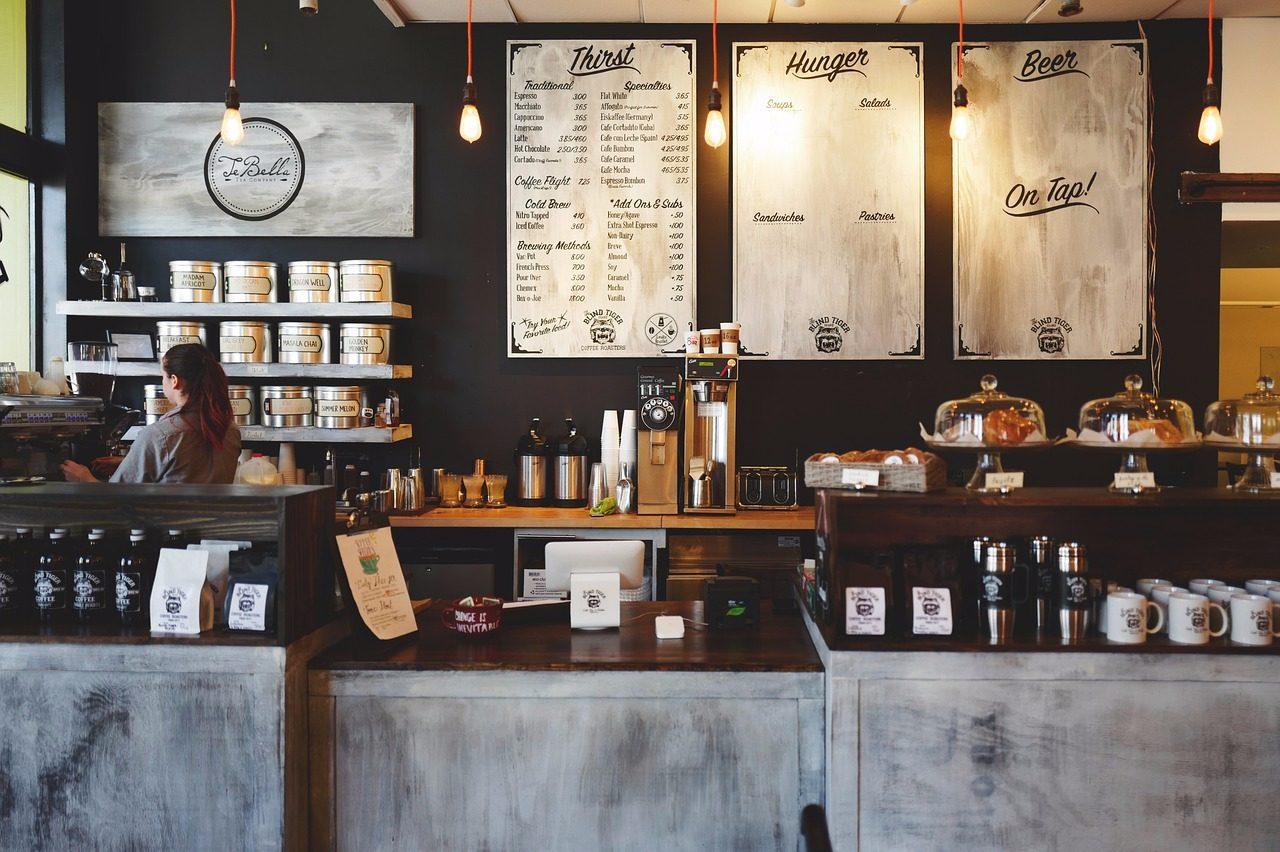 1、咖啡店 可以一邊打工同時學習製作咖啡,排除尖峰時段之外比其他工作來的輕鬆許多~