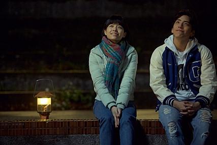 No.3 《我的少女時代》 韓國人該不會以為台灣只拍青澀的愛情電影吧XDDD...總之,《我的少女時代》在韓國真的很紅,看看韓國偶像們來台灣幾乎都能哼上兩句《小幸運》就知道電影的威力啊!