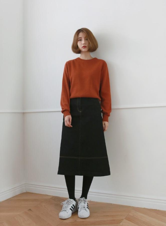 #中長裙 今年韓妞們人手好幾件的絕對非中長裙莫屬啊~長度比短裙保暖,高腰拉長身材比例,還能顯得有氣質!摩登少女自己也忍不住買了超多件XDD