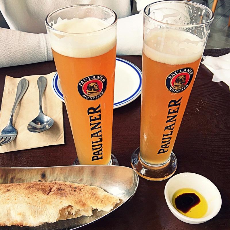 請一定要點他們的啤酒,跟燒烤店給的啤酒不一樣啊!小編沒幾分鐘就一口一口的乾了!