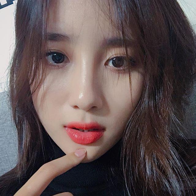 也意外的讓人看見韓國演藝圈黑暗的一面,但也有許多網友表示這應該是韓國演藝圈公開的秘密,粉絲紛紛聯想Jisoo退隊是否跟這個有關係,Jisoo po出貼文後底下也湧入大量替她加油打氣的留言!