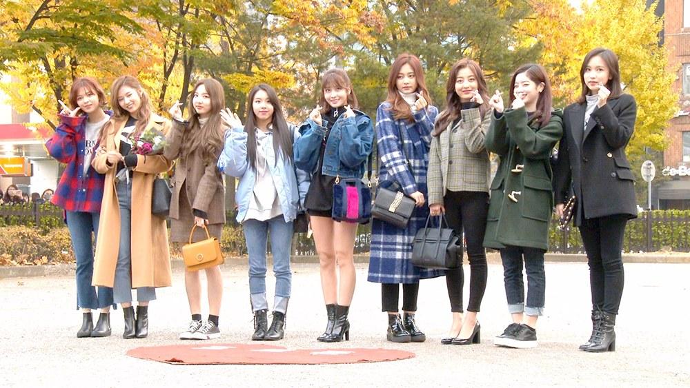最近的天氣越來越冷,真的有入冬的感覺,也到了想穿大衣的季節了~如果今年還沒決定要入手哪幾款大衣、或是不知道要怎麼搭配的話,就一起來看看韓國偶像們的秋冬大衣穿搭找些靈感吧~