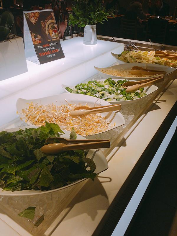 蔬菜方面則有椰菜、豆芽、大蔥等可供選擇。