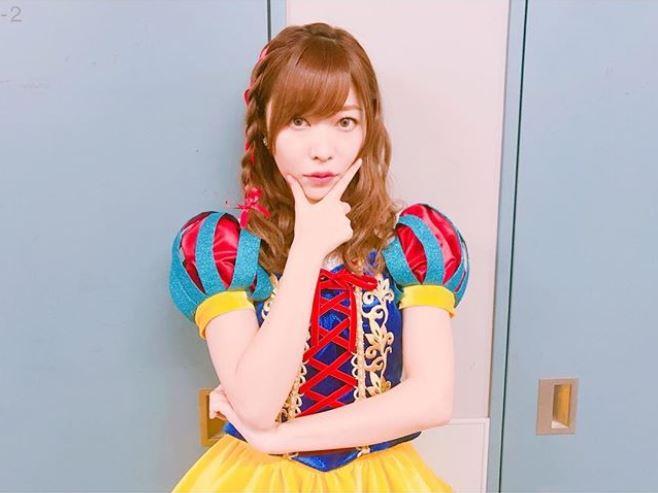 但下一句就被韓國網友說很嗆了,因為她說「對那些『不賣』的孩子來說,這也是個機會」XDD…雖然大家都知道AKB48這麼多人,人氣前幾的成員在日本的活動就忙不完,想必不會去韓國,不過把《Produce 48》當作《The Unit》來看待,還直接說同團的成員「不紅的人能有機會」當然也引起討論