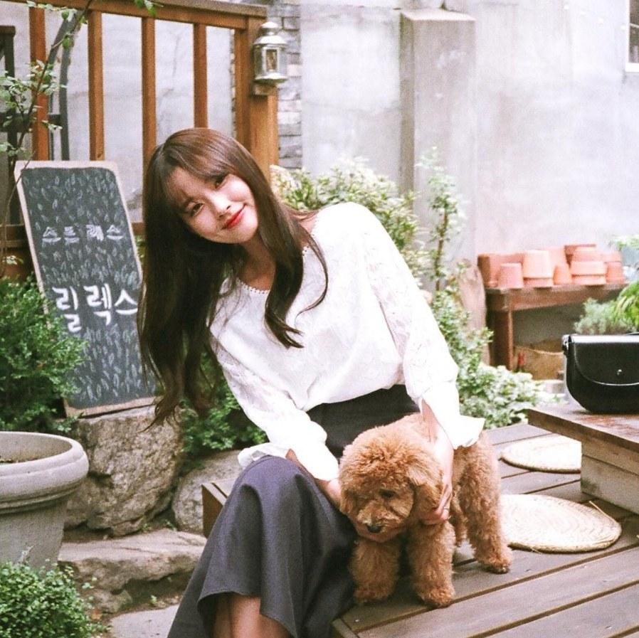 另外如果有寵物的話放與寵物的合照也可以大大提升男生的好感度,會覺得你是個善良的女孩!