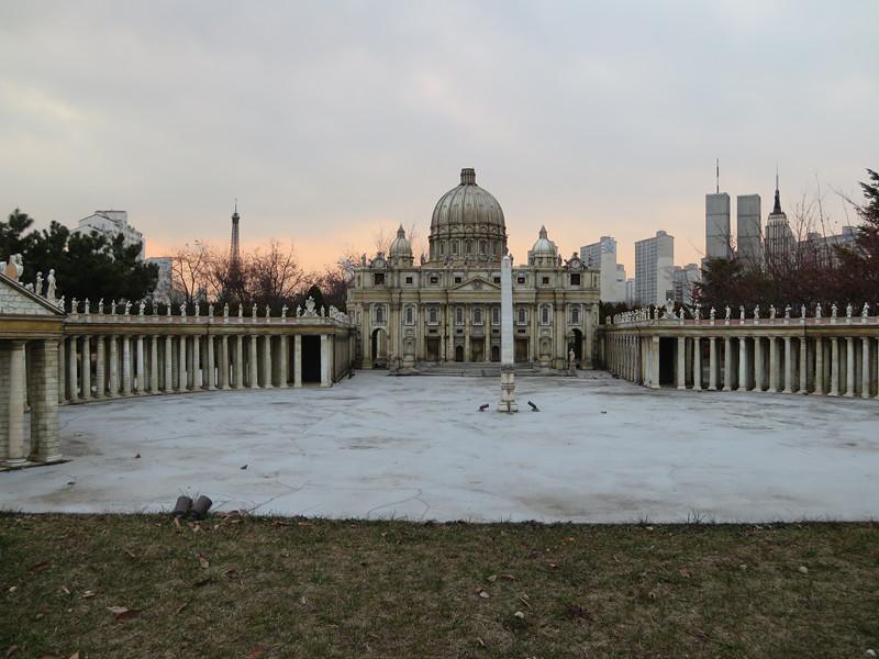 #聖伯多祿教堂 教堂中最為大家所知的梵蒂岡的聖伯多祿教堂和聖伯多祿廣場~