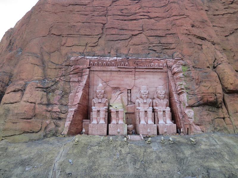 #阿布辛貝神殿 埃及阿布辛貝神殿大神像~非洲用山壁打造的神像好像真的很多啊~