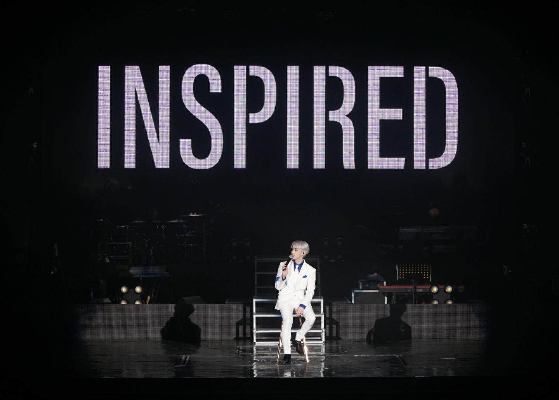 但原本預計在明年發行的鐘鉉新專輯,卻再也看不到他為我們演唱了... 也讓人感到無限的遺憾和惋惜啊...