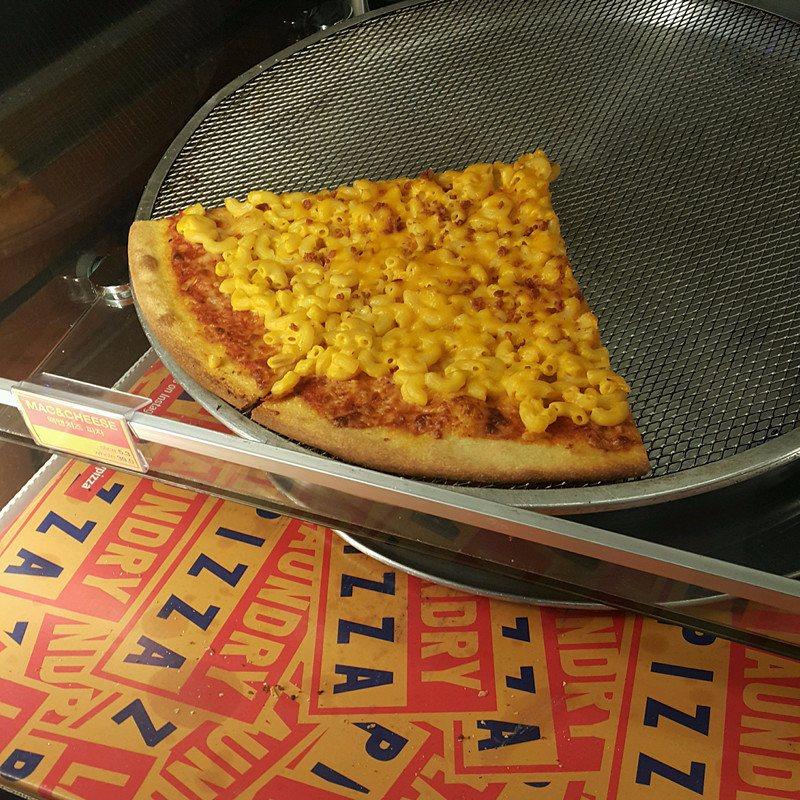 款式也包括了mac&cheese等在一般披薩店比較少見的