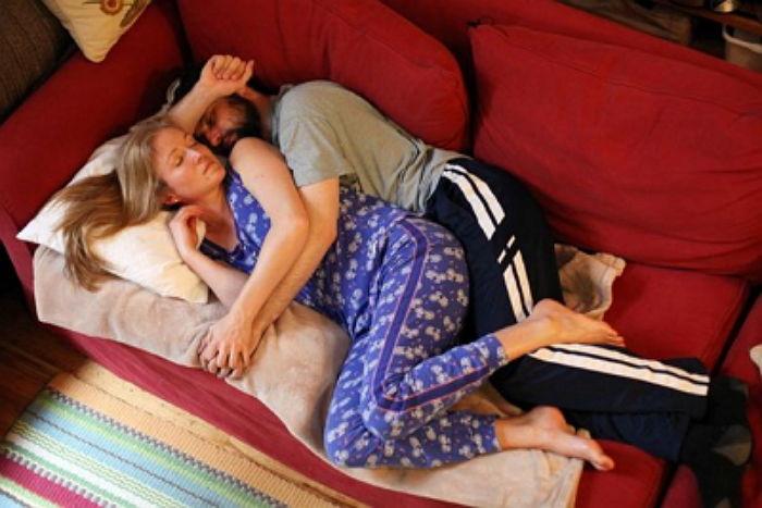 擁抱專家說cuddler的意思是 為了一周每天累得昏天暗地的人們 或是常常感到孤獨的人們 提供