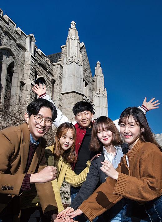 根據韓媒報導 高麗大學有3494名中國留學生 佔全體外國留學生的59% 與2015年的1872名相比 增加了86%