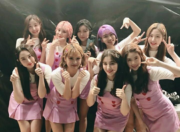 女團MOMOLAND於2016年出道,在新一代女團中相當有知名度,成員們也以獨特魅力獲得粉絲的喜愛,在歌曲排行榜上也取得相當不錯的好成績!