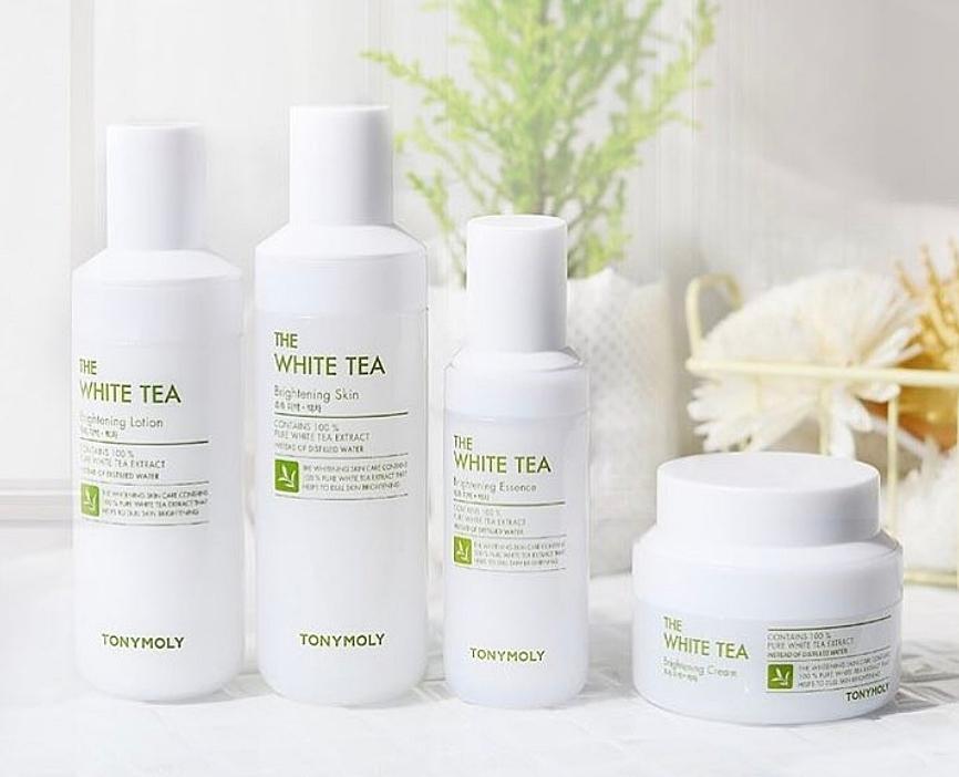 第二款就是之前女神也推過的TONY MOLY白茶系列,其中白茶亮顏化妝水更是含珍貴的白毫銀針成分,抗氧化的效果比綠茶還高出非!常!多!