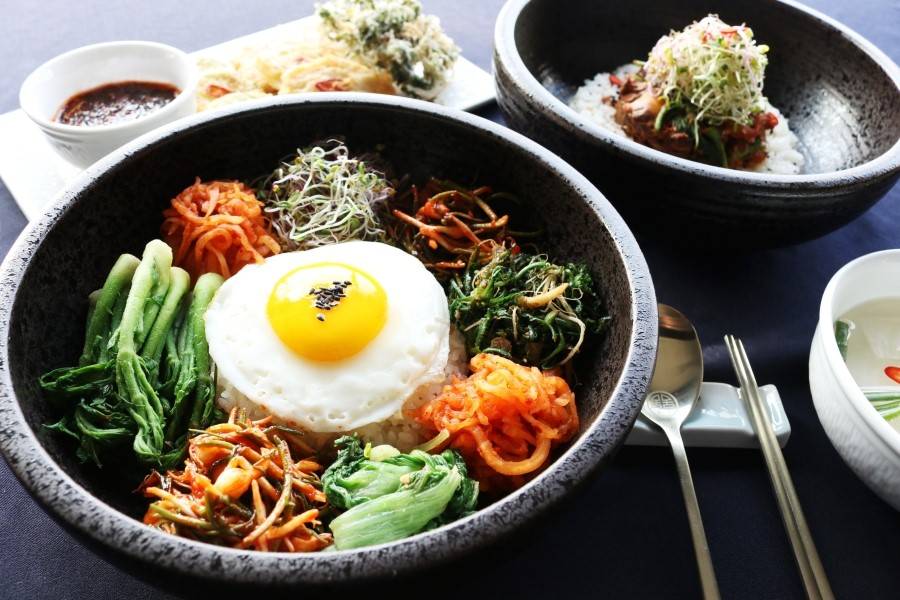 #8、石鍋拌飯 (17.6%) 有菜有蛋營養十足~~~上班族的午餐營均衡也很重要啊!
