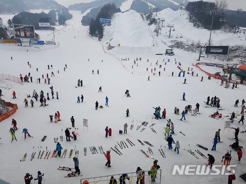 目前警方正在與滑雪場目擊者確認情況 同時也在調查安全措施與否