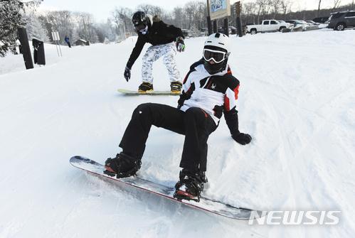 大家以後去滑雪場時 務必做好安全措施 也選擇與自己實力相符的滑雪道~