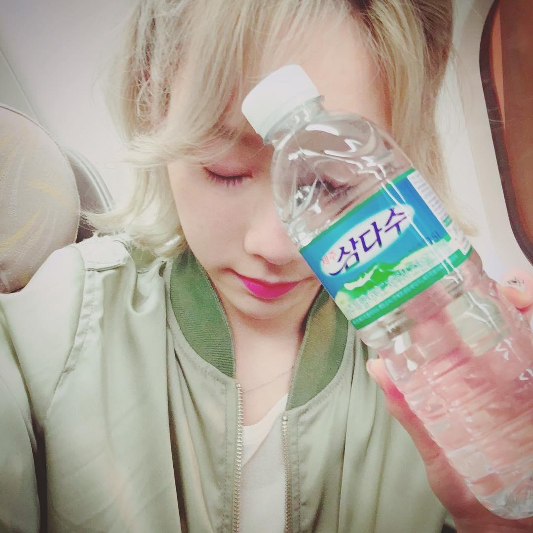 """許多韓國女明星在回歸或是重要的拍攝行程之前都會利用""""喝水""""來急速減肥或是消水腫!"""