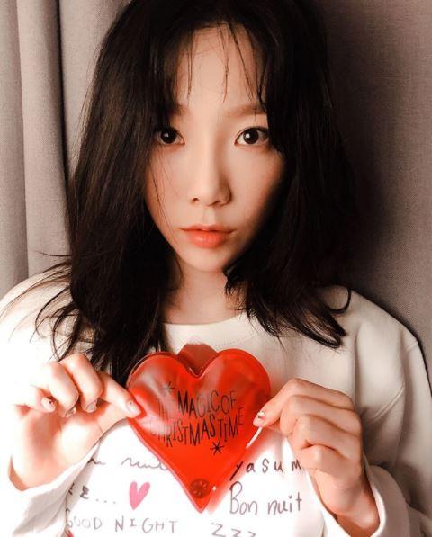 像是少女時代的隊長太妍就是暖心偶像的其中一例,雖然精靈國境內子民眾多(?)但是太妍一個都不放生,努力的想記住大家!