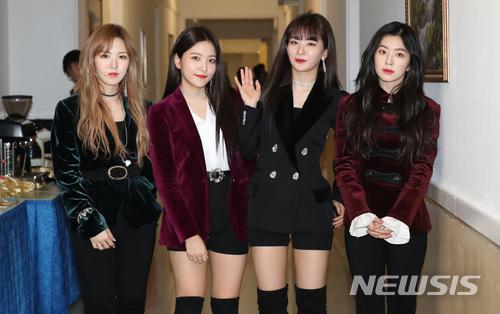 Red Velvet成為韓國藝術公演團之一的消息,一直是近日韓國熱門的話題之一。相比其他像是趙容弼,白智榮等歌壇大前輩