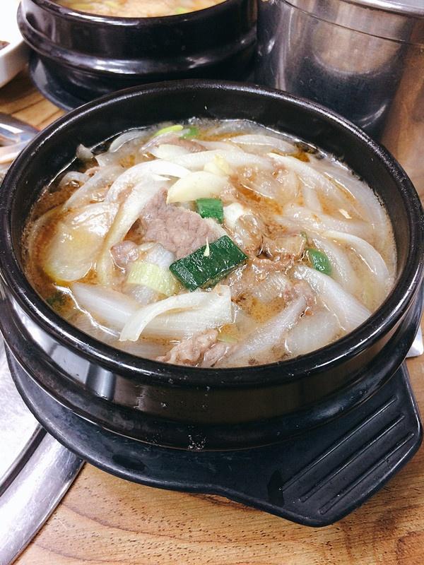再來就是牛肉鍋,牛肉都很入味,用來拌飯吃就最好不過了。