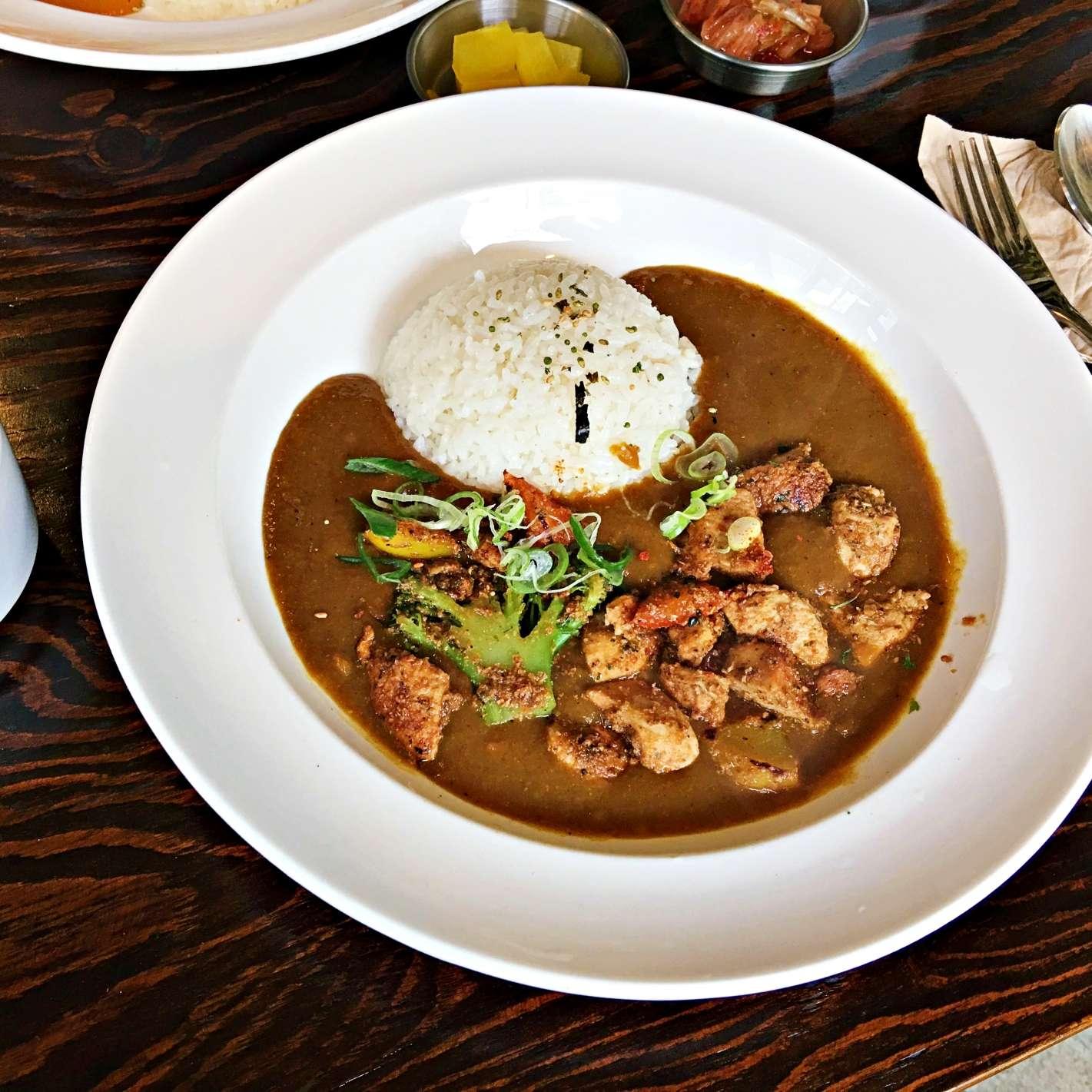 這份是招牌辣咖哩,開吃的第一口有種:啊~原來這就是韓式辣咖哩啊!(算是蠻辣的喔)