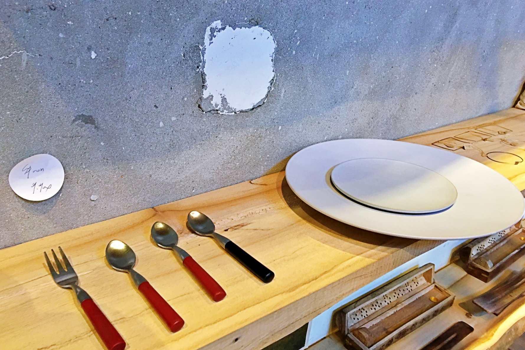 簡約風格的食器及餐具好想包回家。