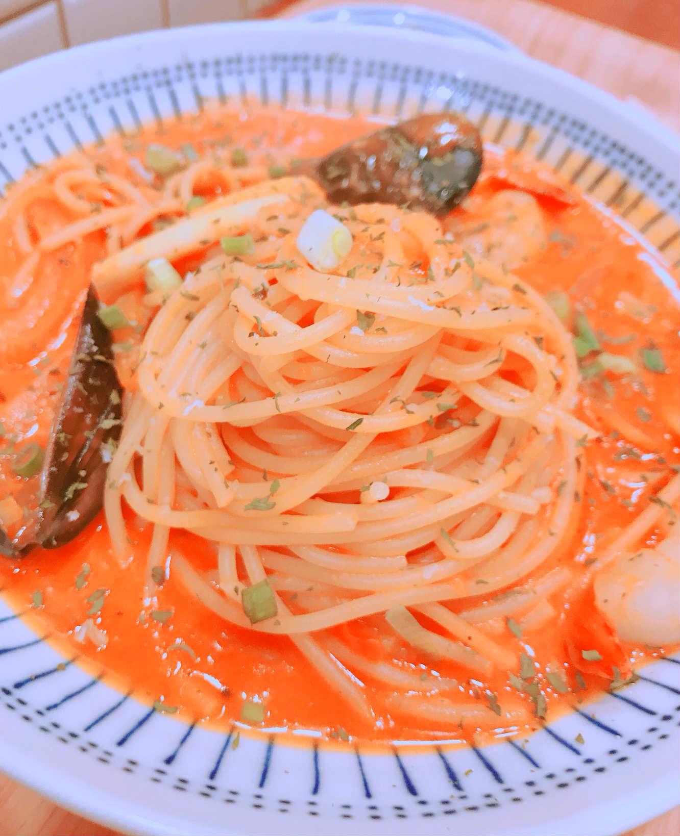 另外,小編也想推一下這款番茄海鮮義大利麵,濃稠醬料配上鮮美口感,完全不輸給大餐廳啊!