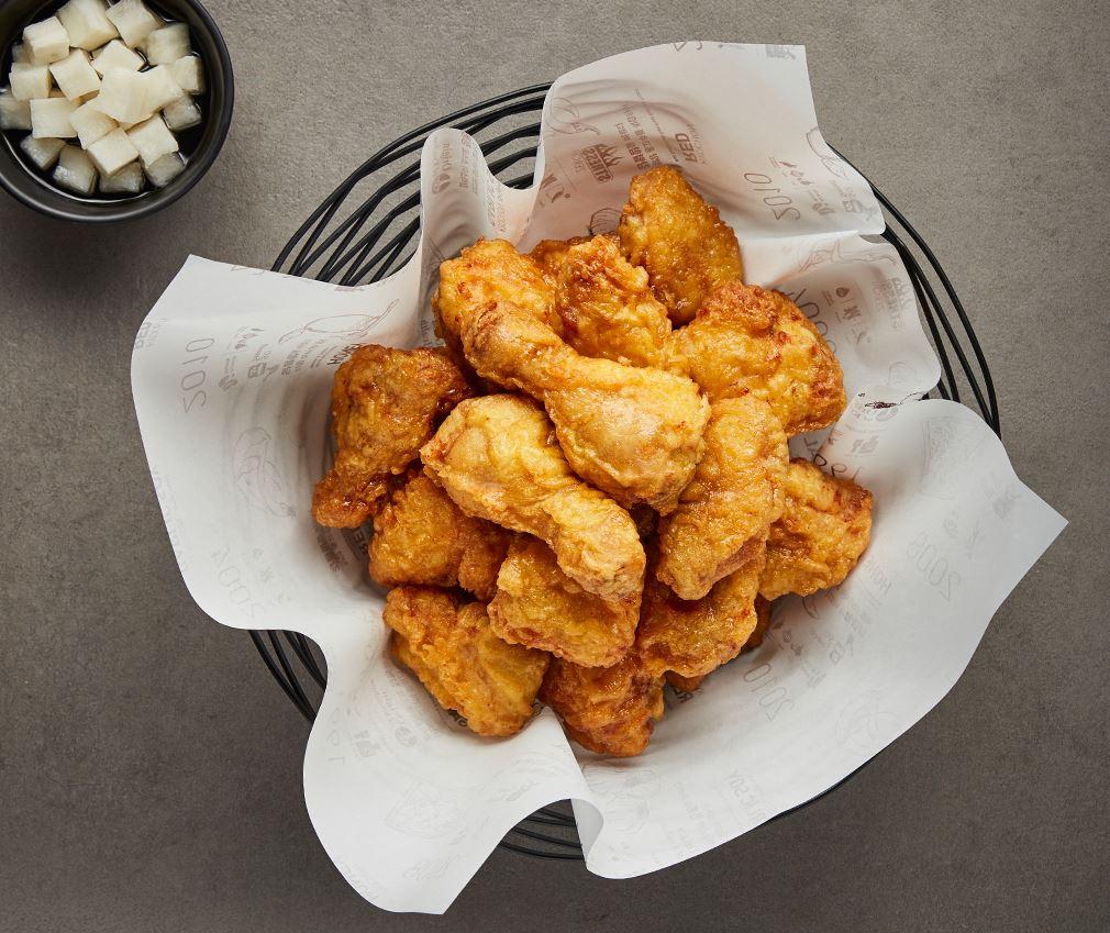 #2. 橋村 橋村蜂蜜系列 酥脆的炸雞外層裹上醬油跟蜂蜜的醬料,鹹甜鹹甜超級刺激食慾!