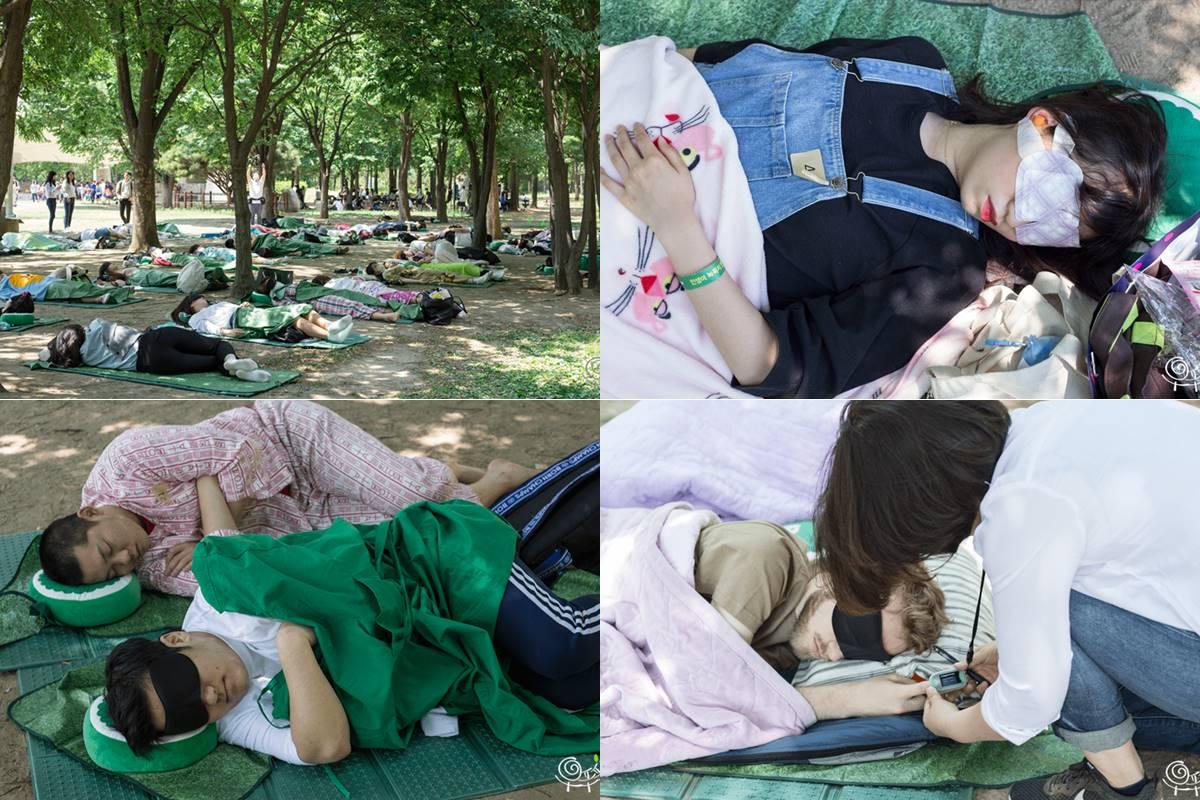 4) 睡覺大會 讓平日睡眠時間不足的現代人,有一個休息的時間,而且在森林中睡得最久的人可以獲獎!!