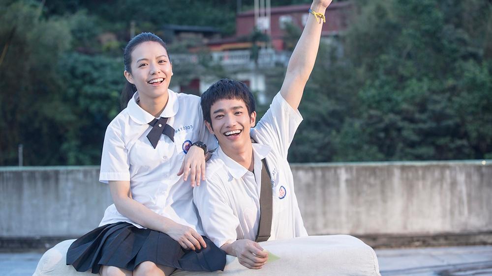 女主角正是《我的少女時代》的女主角宋芸樺,相信韓國人都對她不陌生~ 而男主角則是劉以豪,他因為長得像韓國演員徐康俊,在韓國小有名氣!!